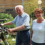 004_Walter Brandes mit seinem E-Bike und Tochter Meike Liebe2
